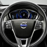 2013-Volvo-V40-R-Design-Dashboard-1024x640