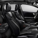 2013-Volvo-V40-R-Design-Interior-1024x640