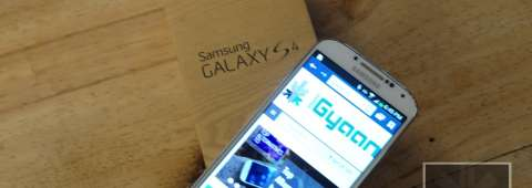 Samsung Galaxy S4 Unboxing 9