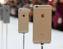 Apple Ties With Samsung For the Top Spot in the Global Smartphone Market